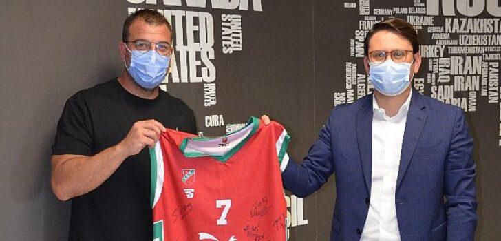 Çimentaş'tan Karşıyaka Spor Kulübü'ne  Anlamlı Destek
