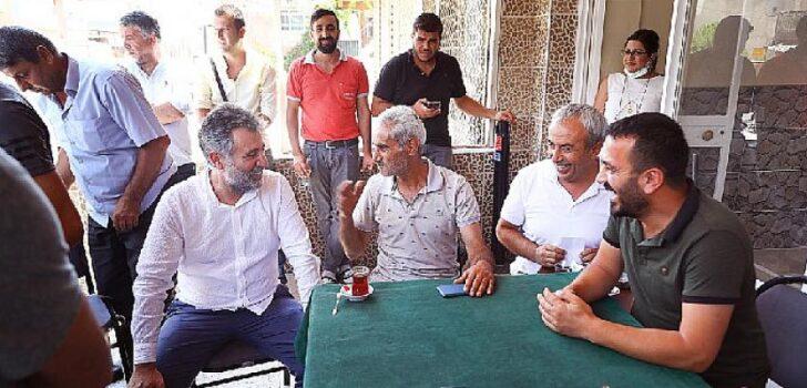 Başkan Sandal, Onur Mahallesi'nde esnafı ziyaret etti