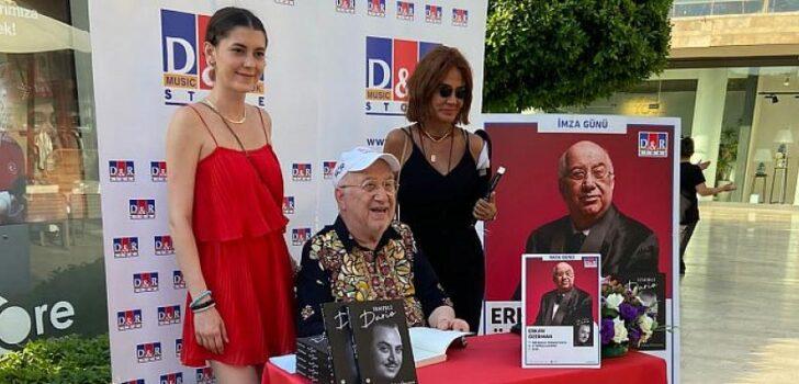 Erkan Özerman D&R mağazalarında Bodrumlu kitapseverlerle buluştu