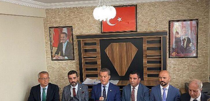 Türkiye Değişim Partisi Genel Başkanı Mustafa Sarıgül, Sivas ziyaretinde basın açıklamasında bulundu.