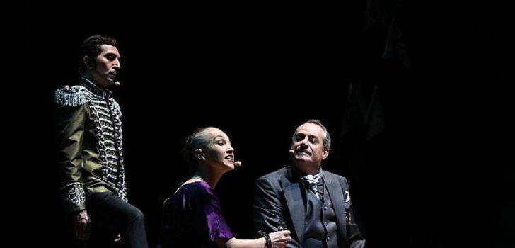 İBB Şehir Tiyatroları Açıkhava yaz oyunları Antigone ile sona erdi