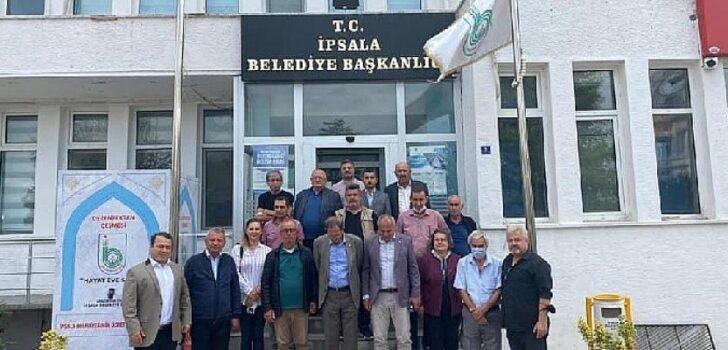 İYİ Parti İpsala'da çiftçinin yanında