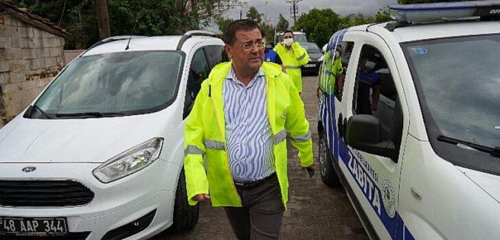 Milas Belediye Başkanı Muhammet Tokat Fırtınadan etkilenen mahallelerde incelemelerde bulundu